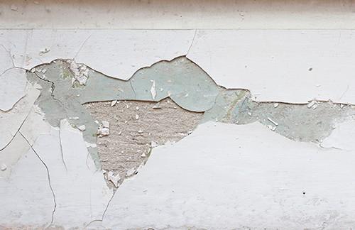 風で劣化した外壁