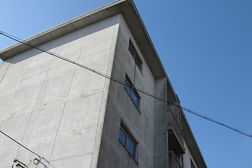 コンクリートうちっぱなしの家